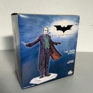 The Joker Statue - The Dark Knight - DC DIRECT