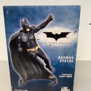 The Batman Statue - The Dark Knight - DC DIRECT