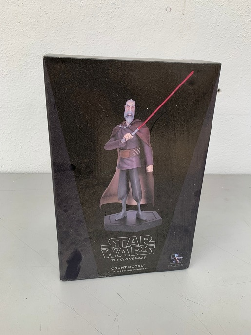 COUNT DOOKU Animated Maquette - STAR WARS The Clone Wars - GENTLE GIANT