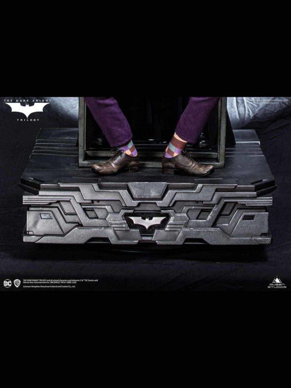 Batman The Dark Knight socle décor Special Base 54 x 54 cm – QUEEN STUDIOS