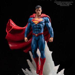 Superman Rebirth 1/6 Statue - DC Comics - XM Studios