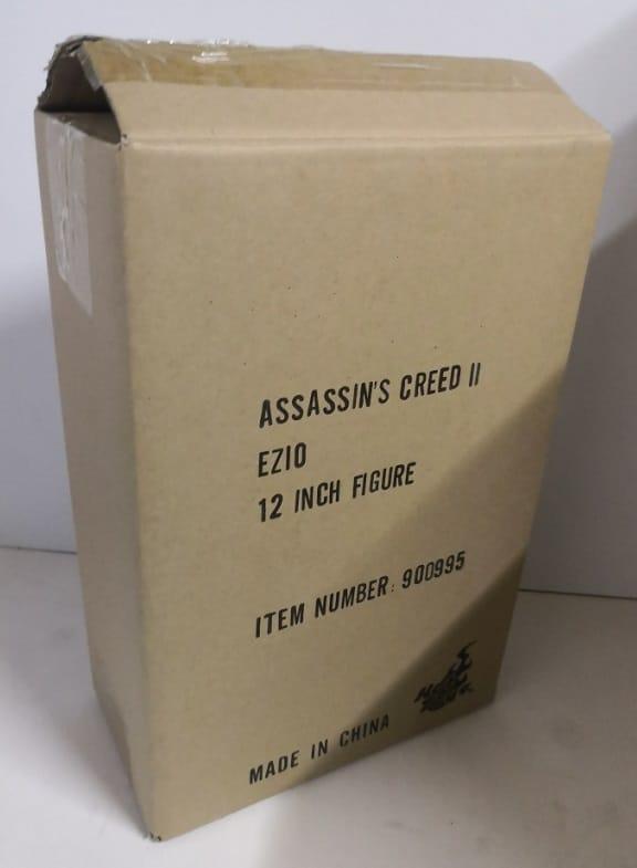 EZIO 1/6TH SCALE FIGURE VGM12 - ASSASSIN'S CREED II - HOT TOYS